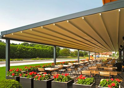 Hotel outdoor retractable pergola shade